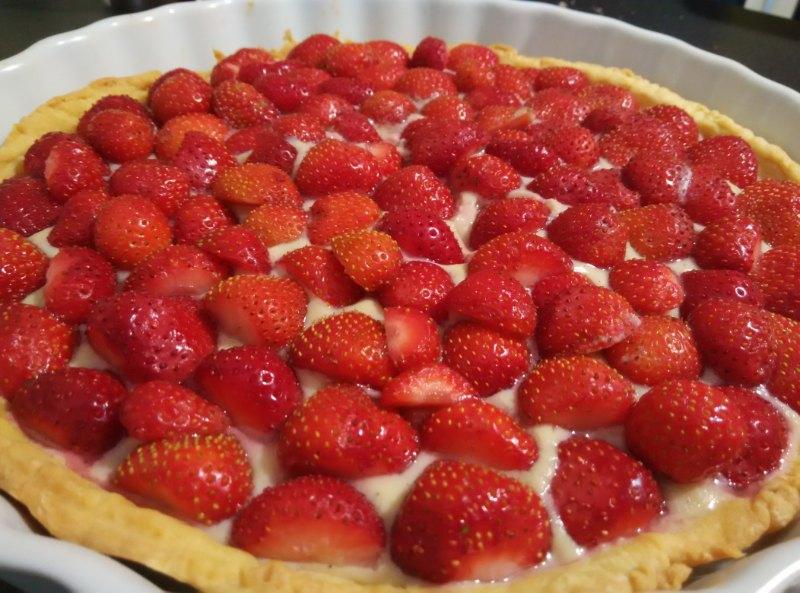 Tarte aux fraises sur sa crème vanillée
