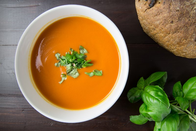 19931553_soupe-veloutee-aux-legumes